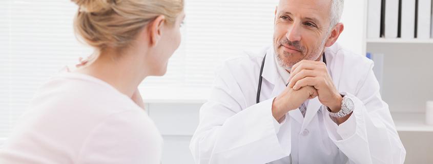 Gespräch mit dem Arzt über eine Patientenverfügung